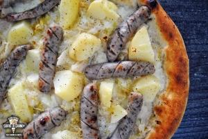 LOGO_Fior-di-latte-km0-crauti-bianchisaltati-in-padella-con-olio-sale-aceto-patate-bollite-pepe-wurstel-bavaresi