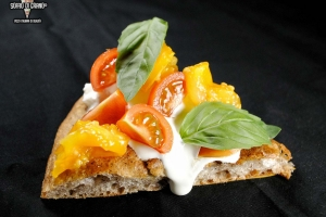 LOGO_H_Burrata-Pomodorini-rossi-pomodorini-gialli-del-piennolo-del-Vesuvio