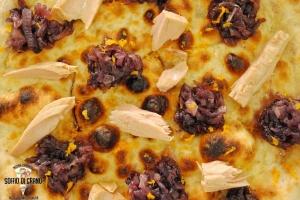 Pizza-cipolle-allarancia-e-tonno