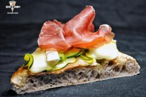 zucchine-al-forno-stracchino-bronzone-bresaola-punta-danca