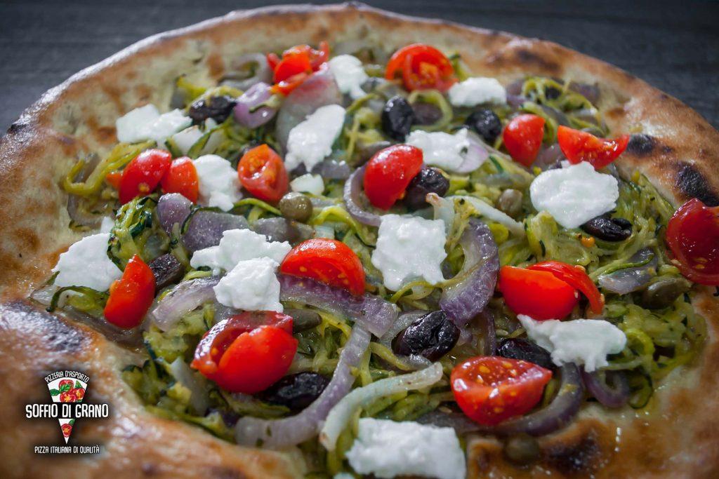 Spaghetti di zucchine con capperi, olive e pomodorini - Edizione limitata Agosto - Soffio di Grano